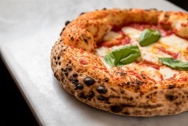 La pizza di Luca Issa de il Piccolo Buco