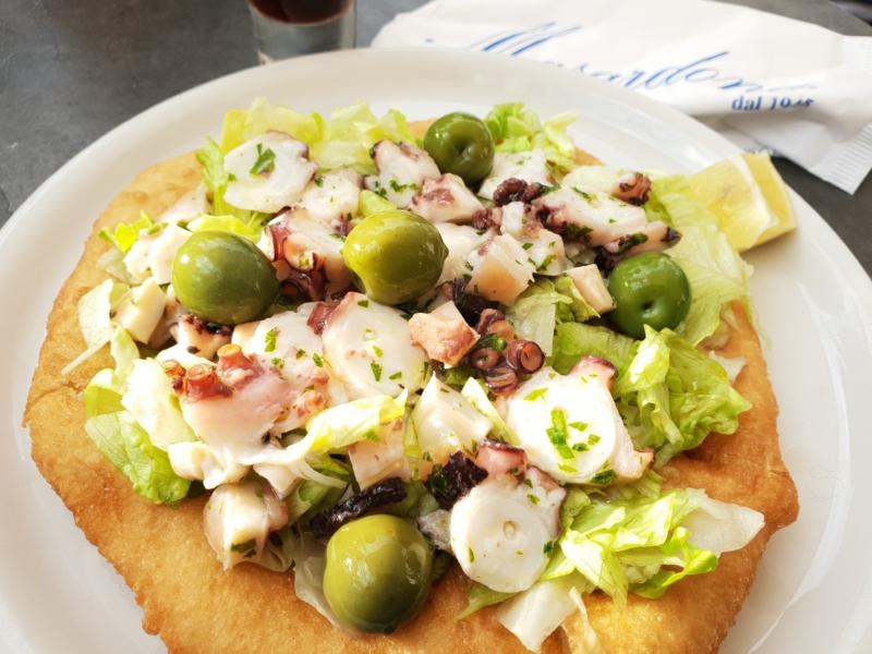 La Masardona - montanara con insalata, polpo, olive